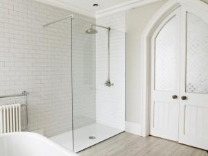 frameless shower screen, glass shower screen, glass showerscreen